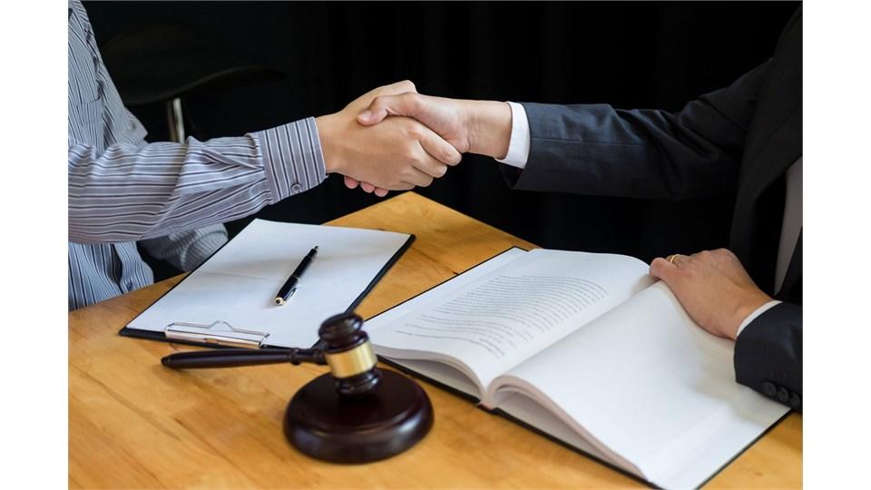 İş Hukuku ve İş Sözleşmeleri̇nde Fesi̇h Uygulamaları Eğitimi