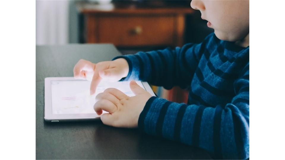 KonuŞu: Dijitalleşen Dünyada Çocuk Yetiştirme